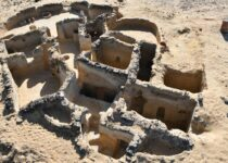 Archaeologists discover ancient Christian ruins in Egypt's Western Desert