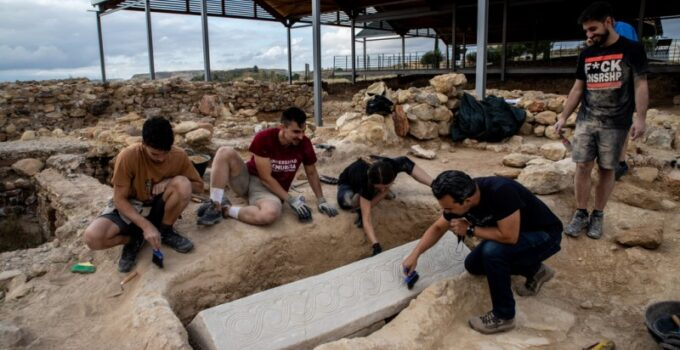 1,500-year-old Spectacular Visigoth sarcophagus discovered in Mula Roman villa site
