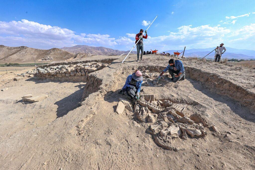Urartian grave excites archaeologists