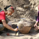 4,500-year-old jar unearthed in 9,000-year-old tumulus in southern Turkey